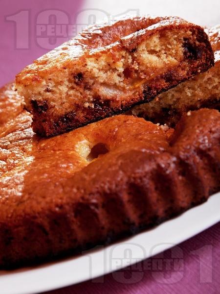 Сладкиш с праскови и парченца шоколад - снимка на рецептата
